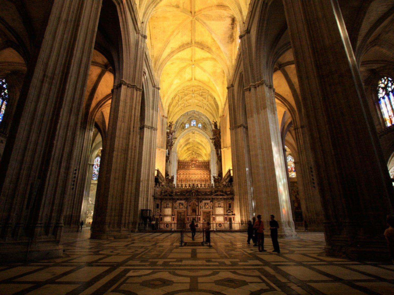 Oferta visita guiada catedral de sevilla - Catedral de sevilla interior ...